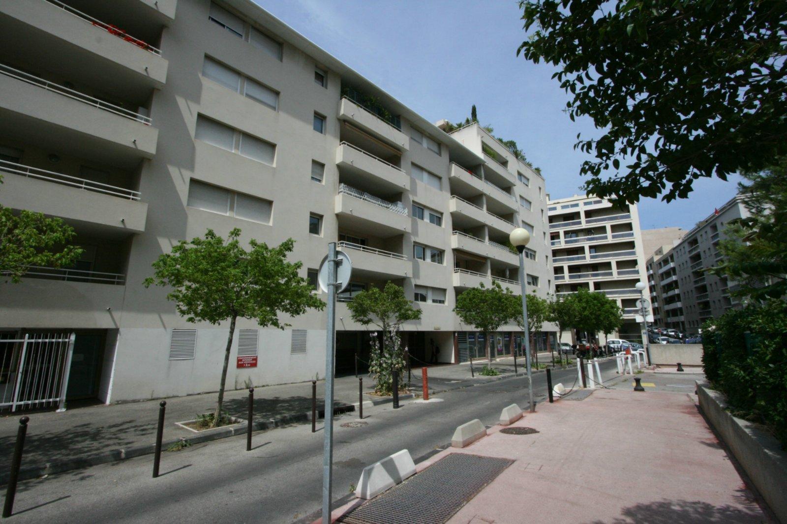 location appartement marseille 8 me studio et maison marseille 8 me arrondissement. Black Bedroom Furniture Sets. Home Design Ideas